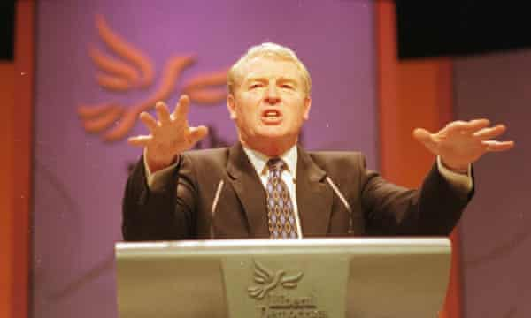 Paddy Ashdown addresses the Liberal party conference in 1998.