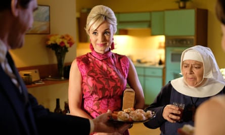 Nurse Trixie Franklin (Helen George) and Sister Mildred (Miriam Margolyes)