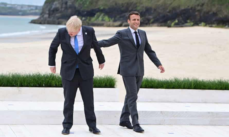 Macron does his best to make amends with Johnson