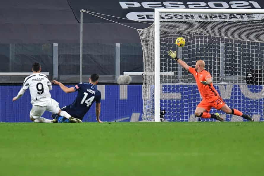 Morata fires home to make it 2-1 against Lazio