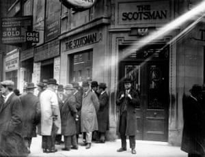 Crowds outside the London office of the Scotsman newspaper on Fleet Street, waiting for news of the general strike in May 1926