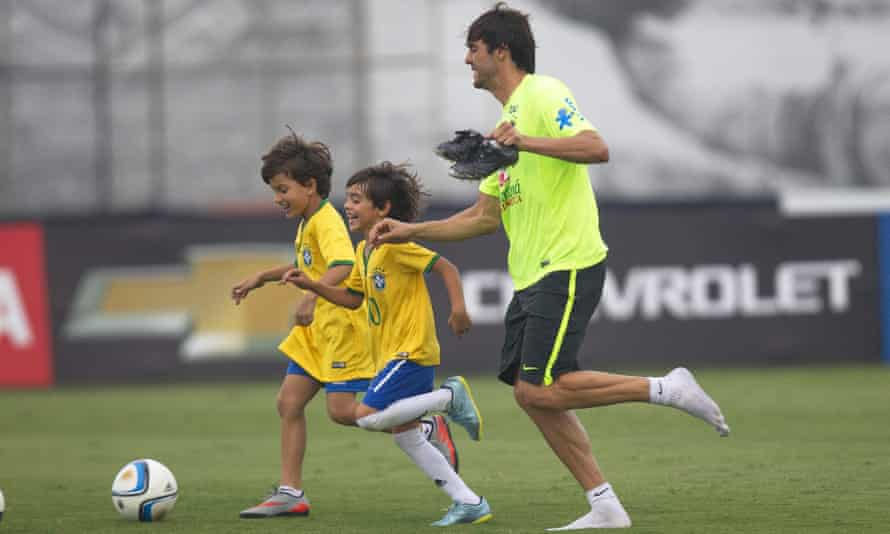 Kaká is in Brazil's squad but there is no room for Philippe Coutinho for a match against an Argentina team with problems of their own.