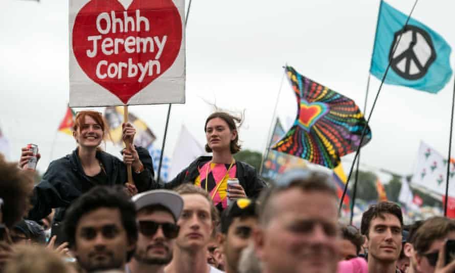Crowd at Glastonbury