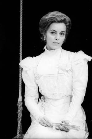 Greta Scacchi (Yelena) in Uncle Vanya, Vaudeville Theatre, 1988