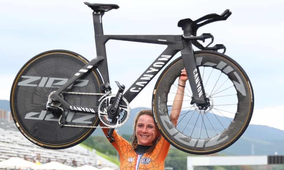 Annemiek van Vleuten of the Netherlands celebrates winning gold at the Fuji speedway