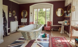 The ornate bathroom with rolltop bath