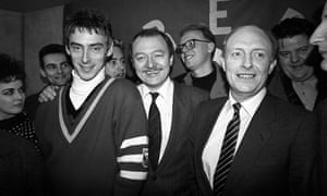 Kinnock with (among others) Paul Weller and Ken Livingstone in 1985 at a 'Red Wedge' event intended to get young people interested in politics.