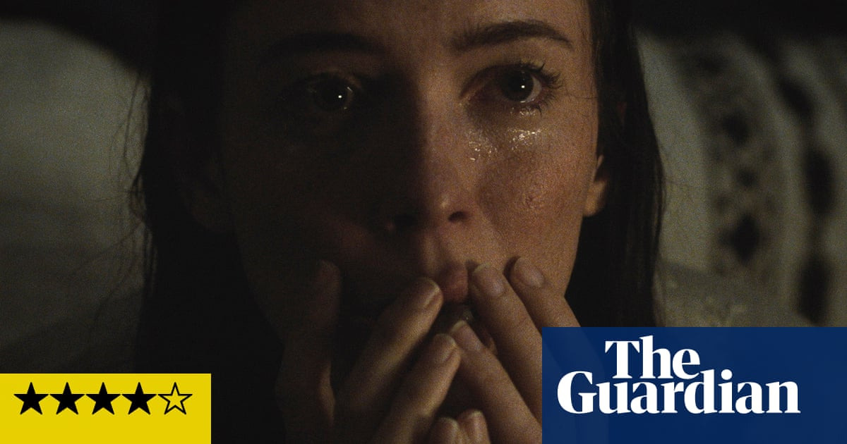 The Night House review – stylish scares with Rebecca Hall
