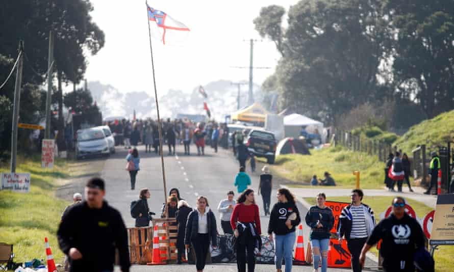 Protestors gather at Ihumātao.