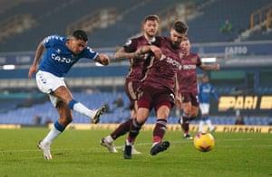 Everton's Allan attempts a shot on goal.