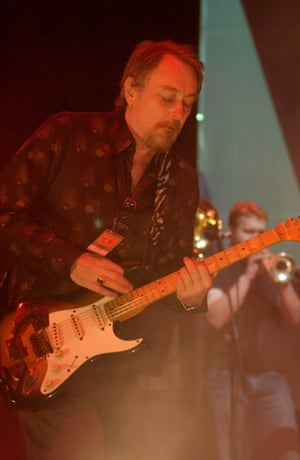 Ed Kuepper from the Saints, Pig City concert