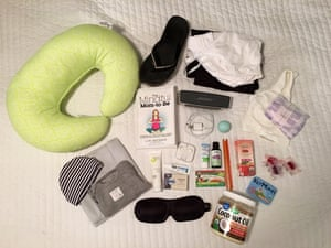 Her bag contains: – music player– coconut and lavender oil– arnica gel – snacks – nursing bra and pads – nursing pillow– clothes for baby and her– swaddle blanket