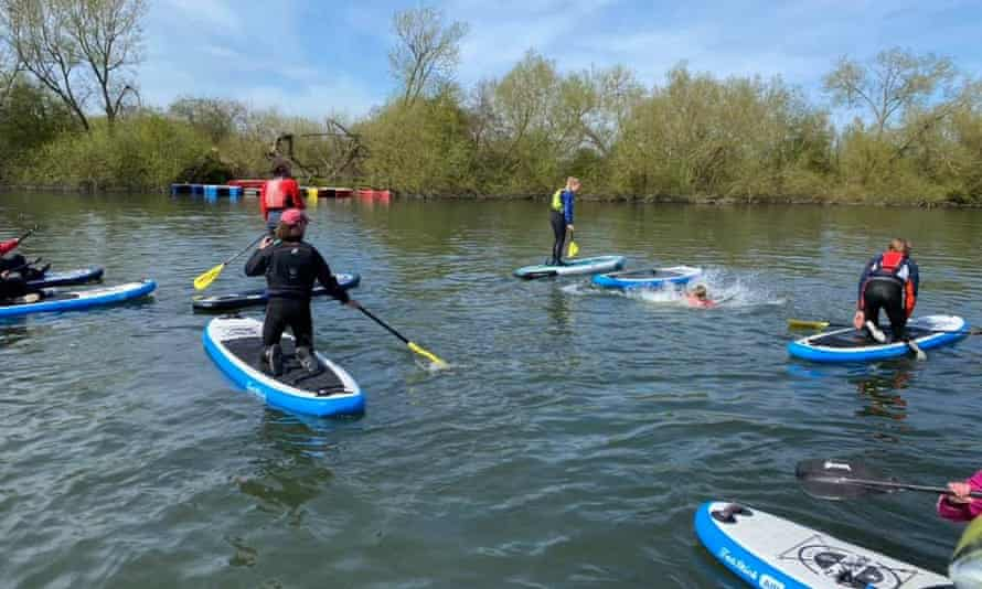 Paddleboard lessons at Wokingham Waterside Centre