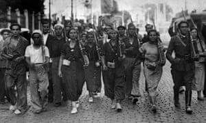 Men and women in a Spanish militia in 1936.