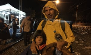 Refugees going from Greece to Macedonia