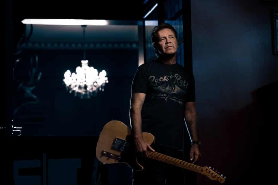 Australian singer-songwriter Troy Cassar-Daley.