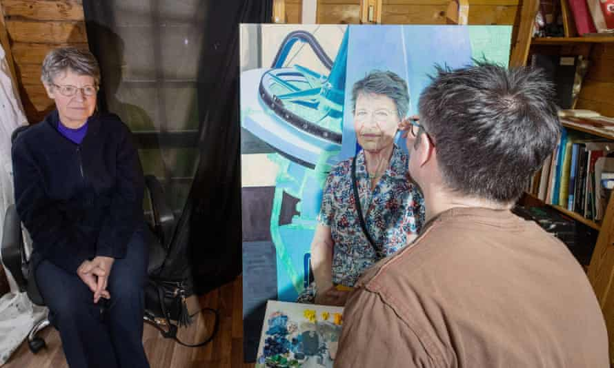 Dame Jocelyn Bell Burnell being painted by Stephen Shankland