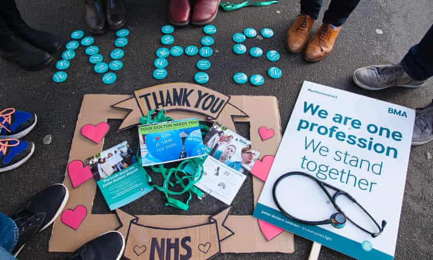 A fresh round of talks is due to take place place over the next two days in an effort to resolve the dispute over doctors' contracts.