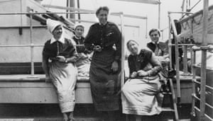 At sea, 1919. Five nurses on troop ship Orvieto returning to Australia after overseas service. The nurse in the centre is Evelyn Conyers, who was the matron in chief (overseas) for the Australian army nursing service.