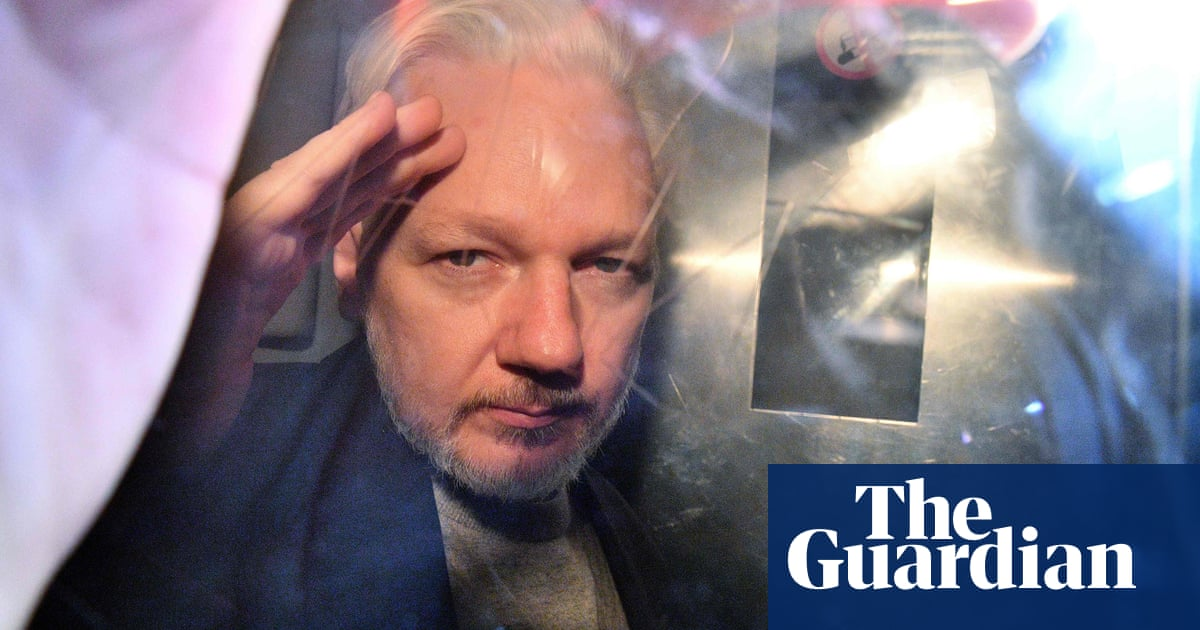 Julian Assange supporters set out stall as extradition hearing begins