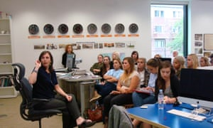 Elizabeth Ford talking to Texas State University students at the GNM Education Centre.
