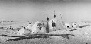 Inuit village, Fullerton Harbour, Nunavut, 1903