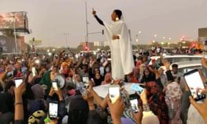 Viral image of Khartoum protestor