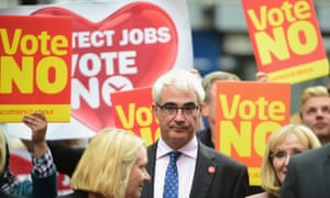 Alistair Darling with Better Together campaigners