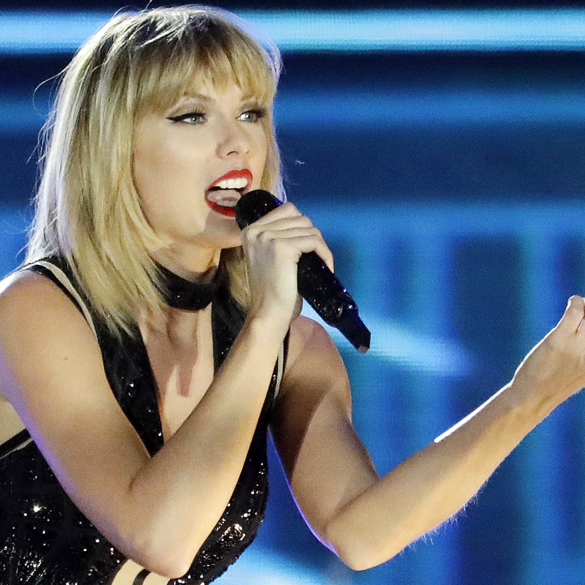 Shaken It Off Taylor Swift Ends Spotify Spat Taylor Swift The Guardian