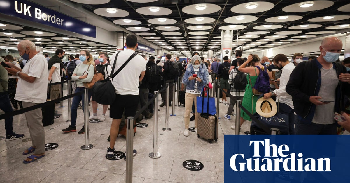 Heathrow to pilot fast-track lanes for vaccinated arrivals