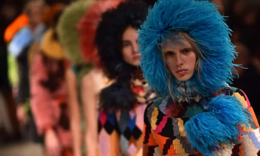 Models present creations for fashion house Prada during the Women's Fall/Winter 2017/2018 fashion week in Milan, on February 23, 2017. / AFP PHOTO / GIUSEPPE CACACEGIUSEPPE CACACE/AFP/Getty Images