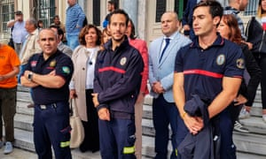 Manuel Blanco, Jose Enrique Rodriguez and Julio Latorre outside the courthouse