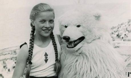 hitler rencontre funny bear)