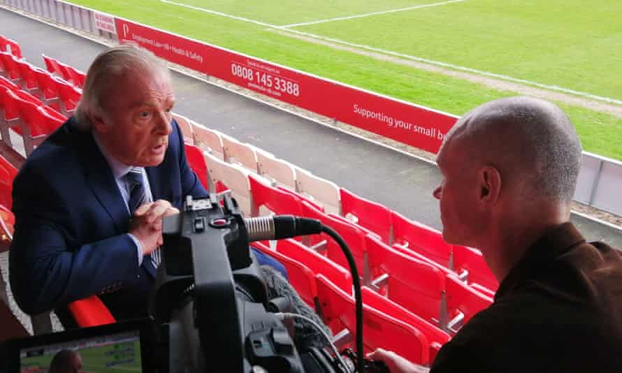 Gordon Taylor is to leave his role as the Professional Footballers' Association chief executive.