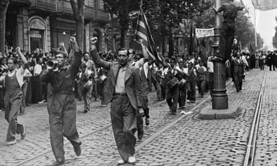Republican supporters march through Barcelona in July 1936