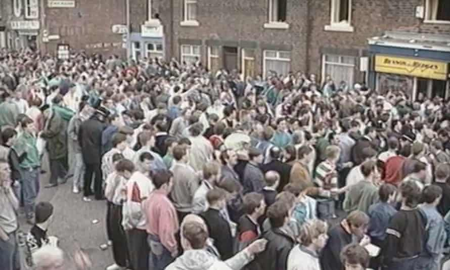 The crowd builds up at Hillsborough with 20 minutes to go before the game.
