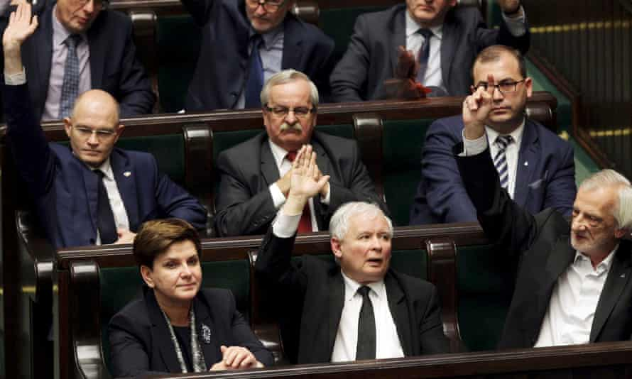 Jarosław Kaczyński, who is not an MP, attending a session of Polish parliament in December 2015