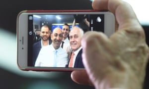 Malcolm Turnbull takes a selfie