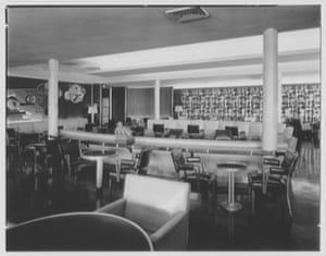 A cabin cocktail room as seen in the 1950s