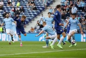 Then Chelsea's Timo Werner has a chance at the other end but his tame side-foot strike is easily scooped up by Ederson.