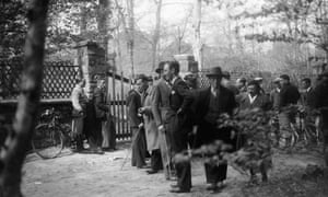 Journalists and photographers outside Trotsky's house in Barbizon, France, 1934.