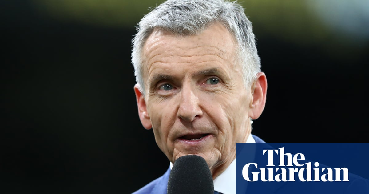 Bruce McAvaney: AFL commentary doyens exit leaves broadcasting at fork in the road | Scott Heinrich