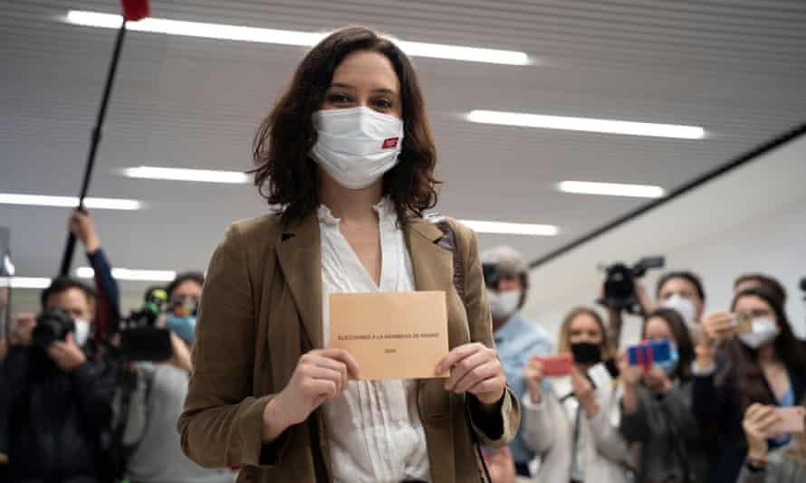 Isabel Díaz Ayuso casts her vote