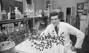 Conrad Gorinsky in 1981 working on the molecular structure of the curare poison, used by Amazonian hunters to tip their arrows.