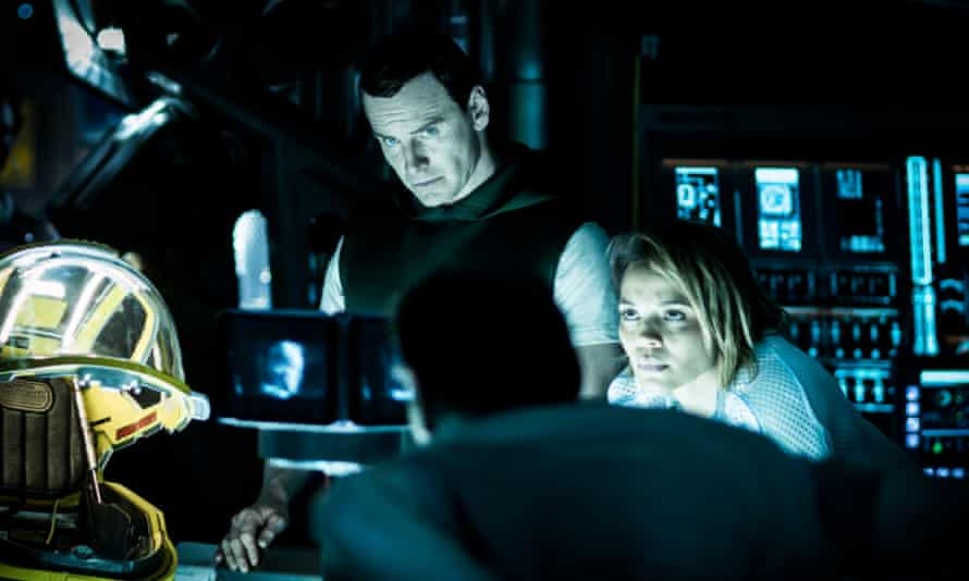 Michael Fassbender and Carmen Ejogo in Alien: Covenant.
