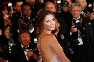"""Cast member Ana de Armas poses on the red carpet as they arrive for the screening of the film """"Hands of Stone"""""""