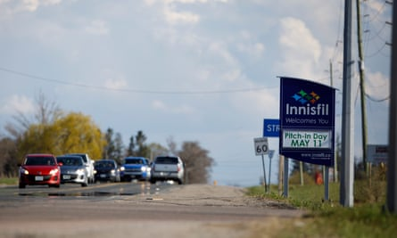 Innisfil is a typical small North American town, with widely spaced houses on large lots, making efficient public transit a logistical challenge.