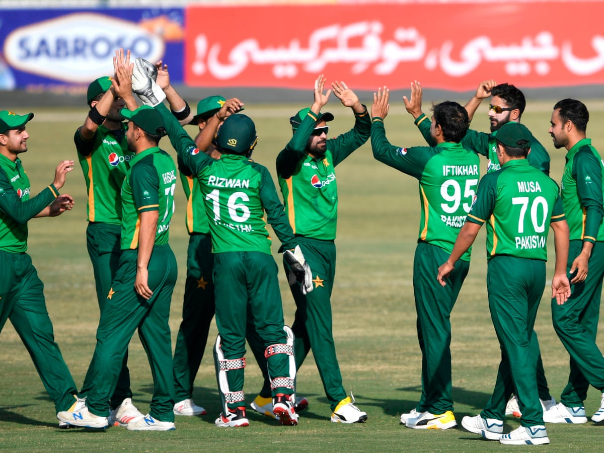 Six Pakistan Cricket Players Test Positive For Covid 19 In New Zealand Cricket The Guardian