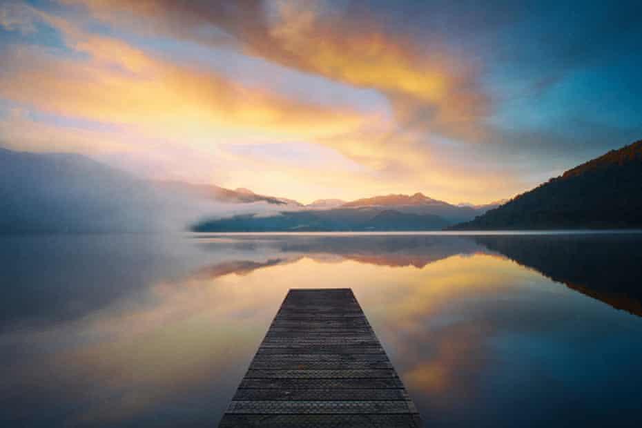 New Zealand's Lake Kaniere at dawn.