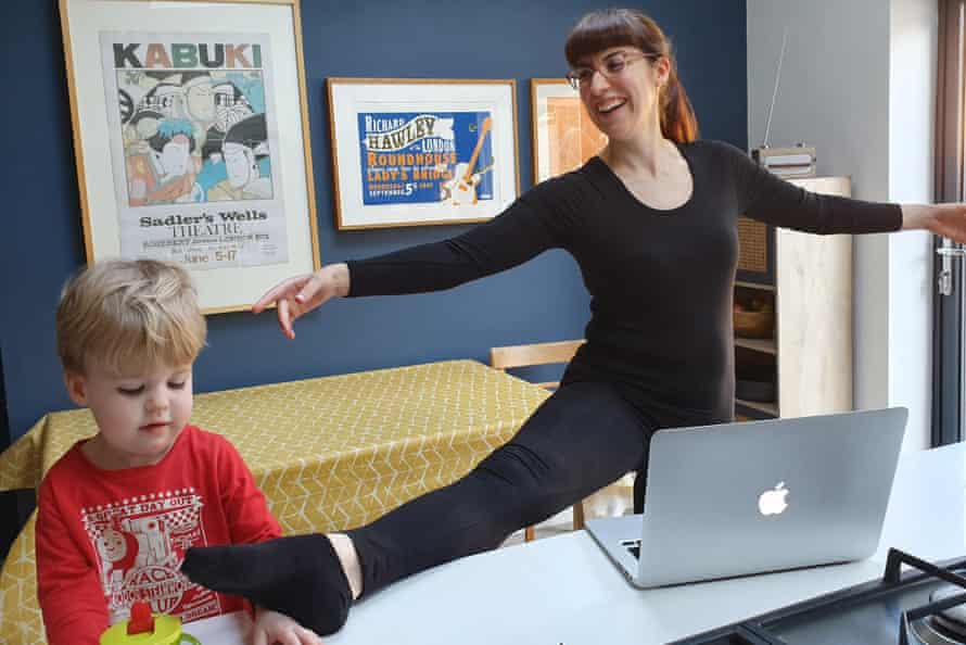 Pas de deux with a toddler ... Lyndsey Winship doing an online ballet class.